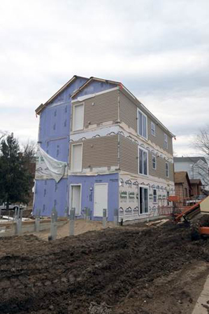 Unibilt, Six Module, Three Story Apartment Building goes up in less than Two Days!